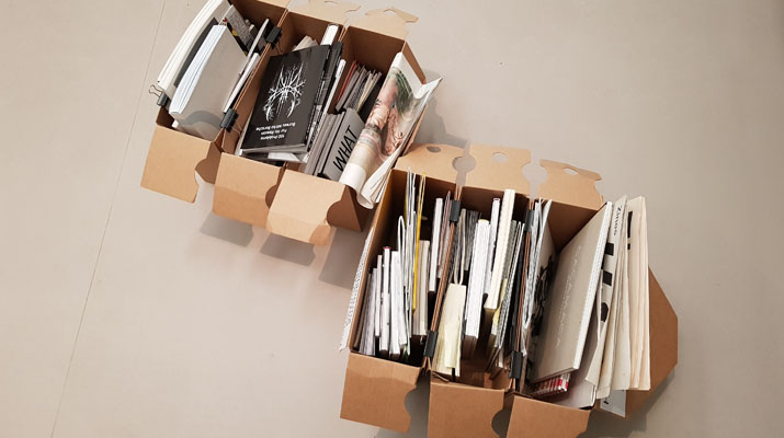 Zeitschriften und Kataloge zur Ansicht aus dem Archiv von Hubert Kretschmer in der Türkenstraße in München