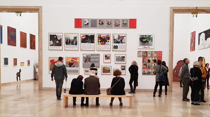 """Die Ausstellung """"Für alle Lieben in der Welt"""" im Haus der Kunst führt durch das Werk von Jörg Immendorff."""