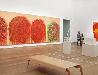 Die Rosenbilder von Cy Twombly - großflächige, farbintensive Bilder, zu sehen im Museum Brandhorst in München