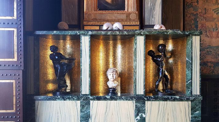 Historische Räume des Malerfürsten Franz von Stuck in der Villa Stuck in München