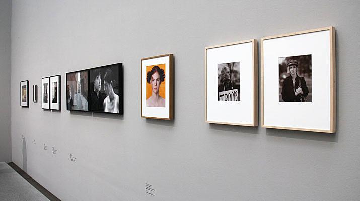Fotoausstellung Re-visions in der Pinakothek der Moderne in München