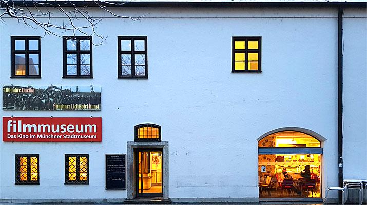 Münchner Stadtmuseum und des Filmmuseum München am Sankt-Jakobs-Platz in München