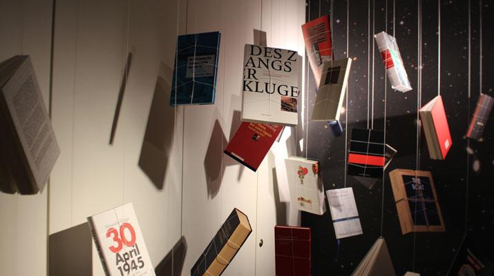 Ausstellungsräume der Alexander Kluge Ausstellung im Literaturhaus München am Salvatorplatz