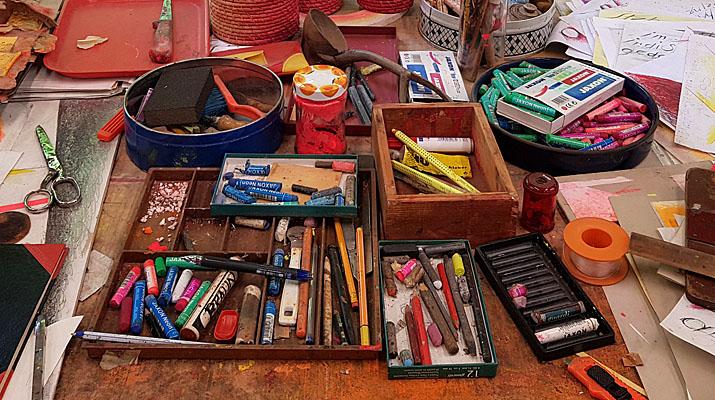 Werkzeuge im Archiv Geiger in den ehemaligen Atelierräumen von Rupprecht Geiger