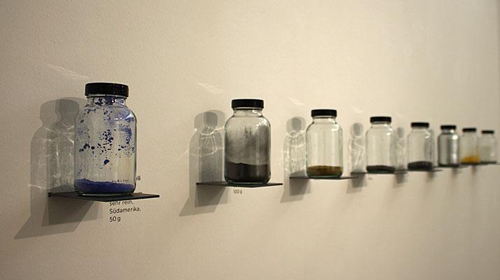 Objekte in der Ausstellung Markus Heinsdorff Arten und Elemente im Kallmann Museum Ismaning