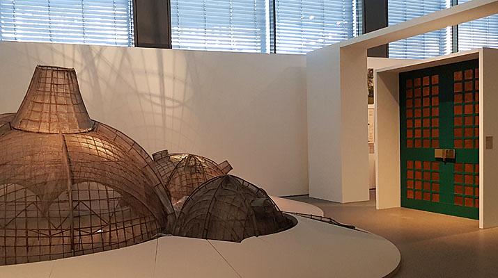 Balkrishna Doshi Ausstellung in der Pinakothek der Moderne in München