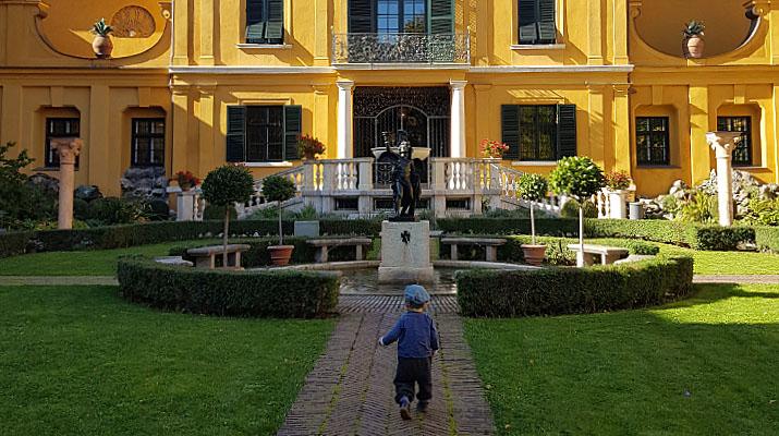 Garten des Lenbachhaus in München
