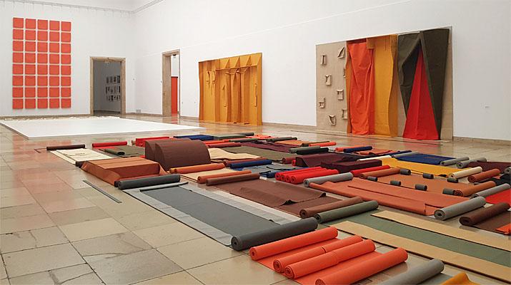 Franz Erhard Walther im Haus der Kunst in München