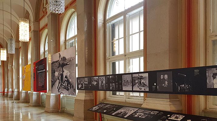 """Ausstellung """"MÜNCHEN. Schau her!"""" in der Bayerischen Staatsbibliothek in München"""
