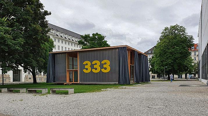 Pavillon 333 neben der Pinakothek der Moderne in München