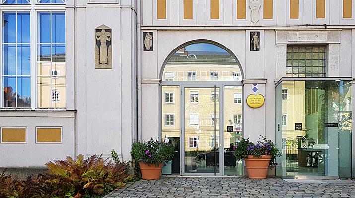 Ausstellung von Nevin Aladağ im Museum Villa Stuck in München